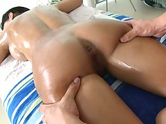 Nice massage with ass spreading on Diamond Kitty