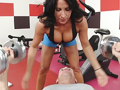 Big tits personal trainer shows some nice tits