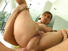 Sara Stone spreads legs and pussy then sucks