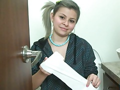 18 year old teen Sammy 18 on the toilet using toilet paper