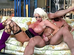 Handjob and blowjob with busty Summer Brielle gets painted