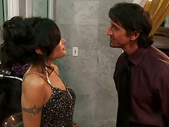 Asian biatch hotie Kaylani Lei goes to bed with man
