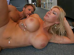 Ingrid enjoying a sweat sideways pump on the floor