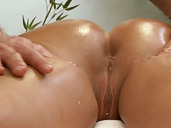 Devon Lee nice oiled up big ass and fingered