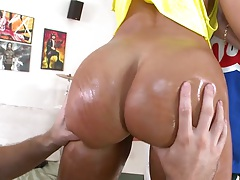 Great milf ass in oil gets touched and fingered on Lisa Ann