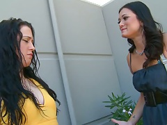 Milfs like it black with Cece going for cock