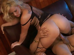 Big ass Briella Bounce cowgirling fucking and closeup sex