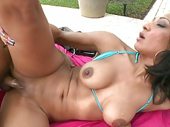 Black babe Sophia Diaz sideways and cowgirl fucking outdoors