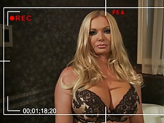 Blonde milf mom Briana Banks in her bra and panties masturbates on bath