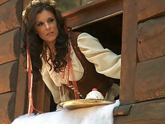 Hot babe Ash Hollywood and India Summer in medieval time porn
