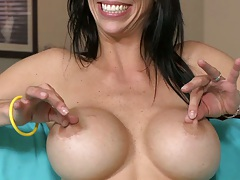 Big tits ALexis Fawx showing off her tits