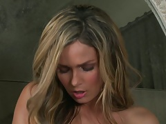Babe Prinzzess Felicity Jade solo masturbation and fingering