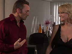 Blonde Jenaveve Jolie having a few drinks and making out