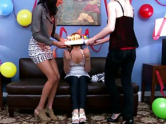Teen like a big cock for bday party