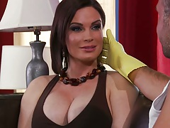 Big tits milf Diamond needs some help with those juggs