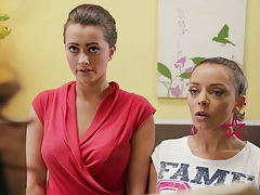 Julia Bond and Liza Del Sierra lesbian group action