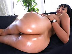 Babe layding down exposing her shaved ass sideways