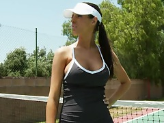 Sporty Kortney is training for a tennis tournament