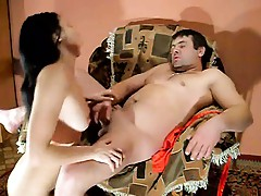 Sexy home blow job the girl must be really good