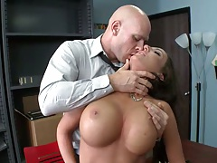 Richelle making out with her boss as punishment