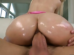 Great oiled up ass Loren Nicole on dick and handjob