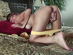 Spicy skinny cutie Valerie Rios masturbation close up with sex toys