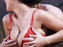 Big tits Angelica Raven in her bra goes down for a kneeling blowjob